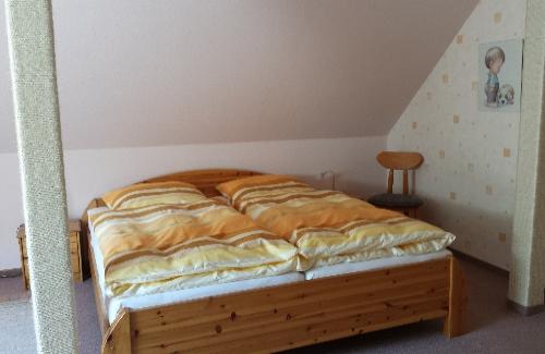 Schlafzimmer FeWo II.jpg
